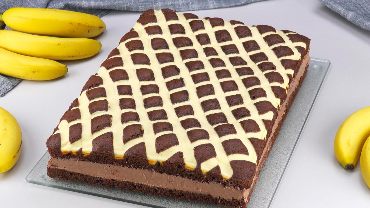 Kuchen mit Schokopudding, Vanillecreme und Bananen