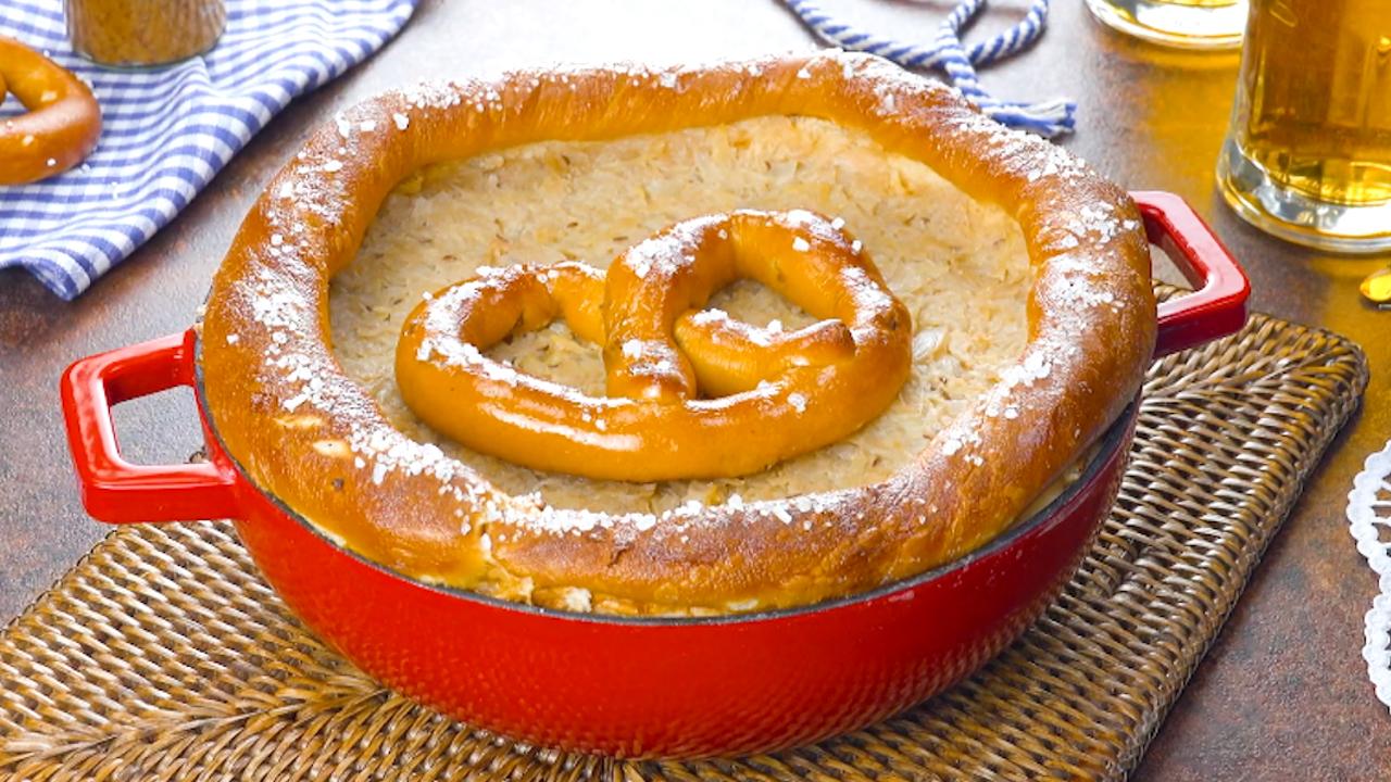 Herzhafter Kuchen fürs Oktoberfest | Mit Sauerkraut