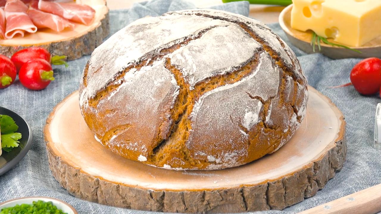 So geht's: Sauerteig selbst machen und leckeres Brot backen