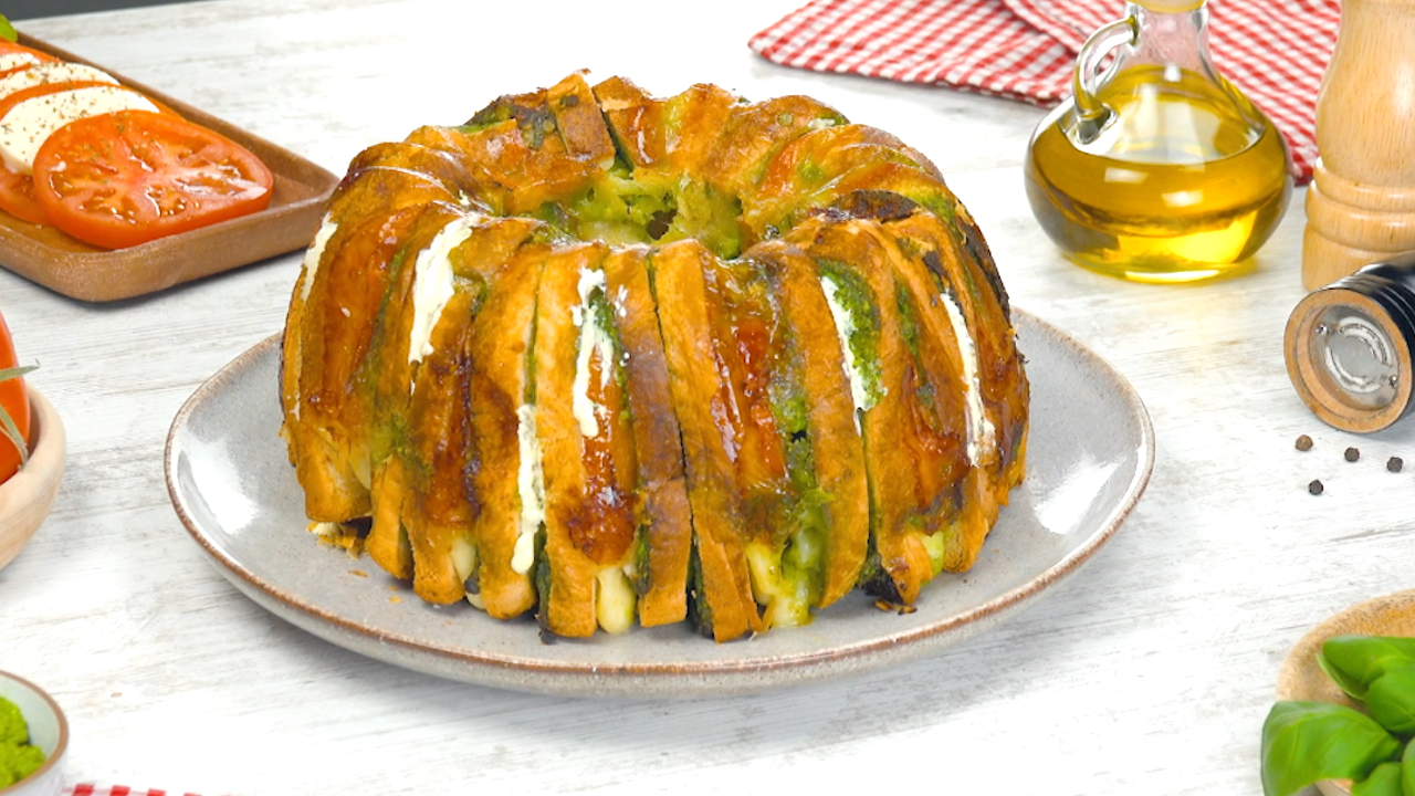 Süßer und herzhafter Toastbrotkuchen aus der Gugelhupfform