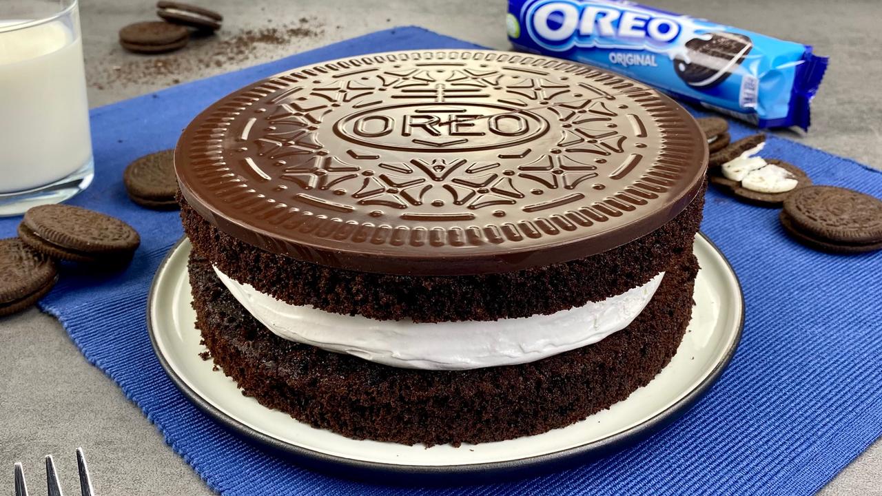Oreo Kuchen | Schokokuchen mit weißer Creme und Schokodeckel